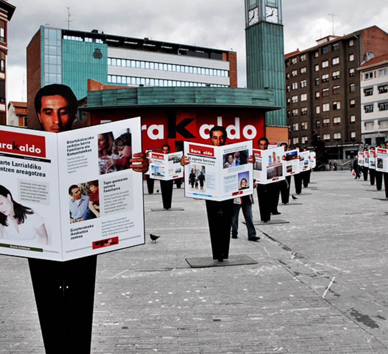 Ayto. Barakaldo – Periódicos en la calle
